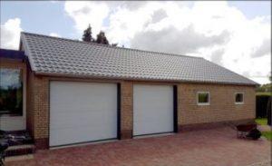 dakpanpanelen op bestaande schuur met bijbehorend zetwerk
